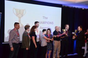 Matt Raad awards best students